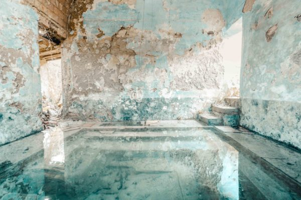 abandoned spa, swimming pool in Italy, romain thiery