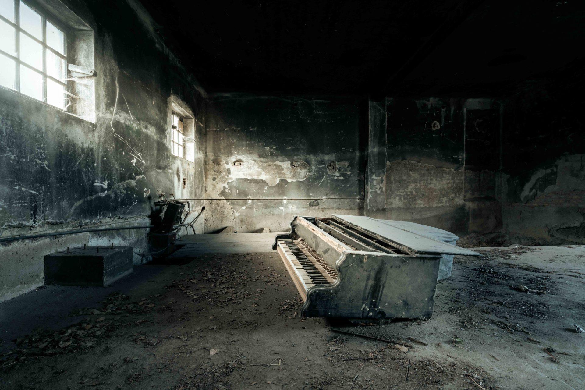 requiem pour pianos 93 | Serie Requiem pour pianos | Romain Thiery | Austria